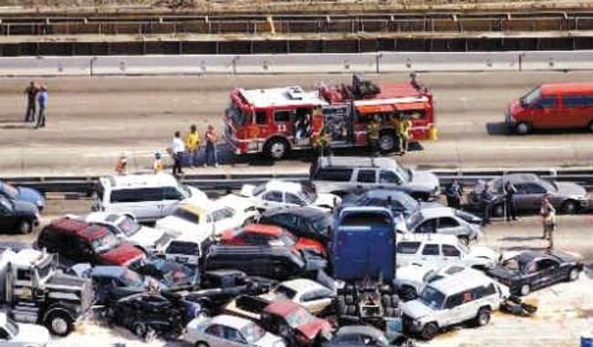 ■高速公路追尾事故