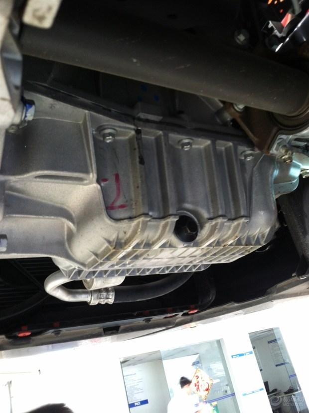 新款福克斯发动机漏油问题高清图片