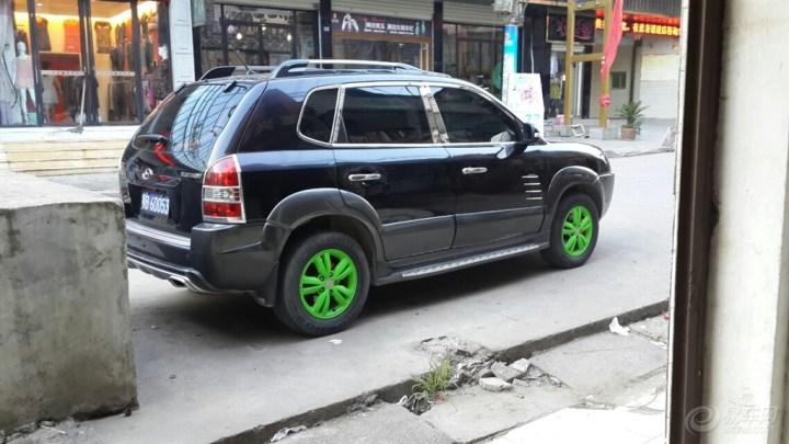 全国首发,黑色途胜改装荧光绿轮毂,独家发布