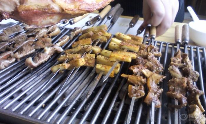 中国 风味/在三番五次催促之后,硬菜终于上场。