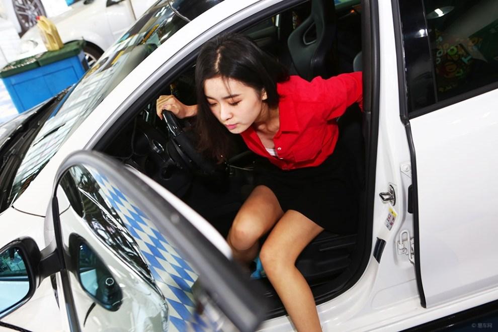 【汽修店高大上绘画高尔夫R20改装车做v绘画美女大全图片美女图片
