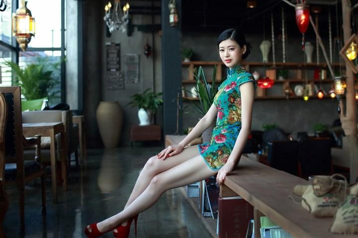 旗袍美女 高清图片