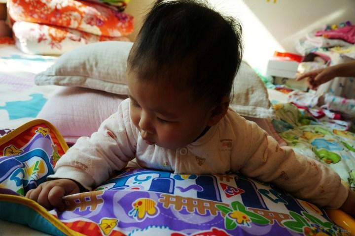 【【超宝动起来】论坛学弹琴】_超级车灯宝宝17款宝马1系后宝贝掉一块角图片