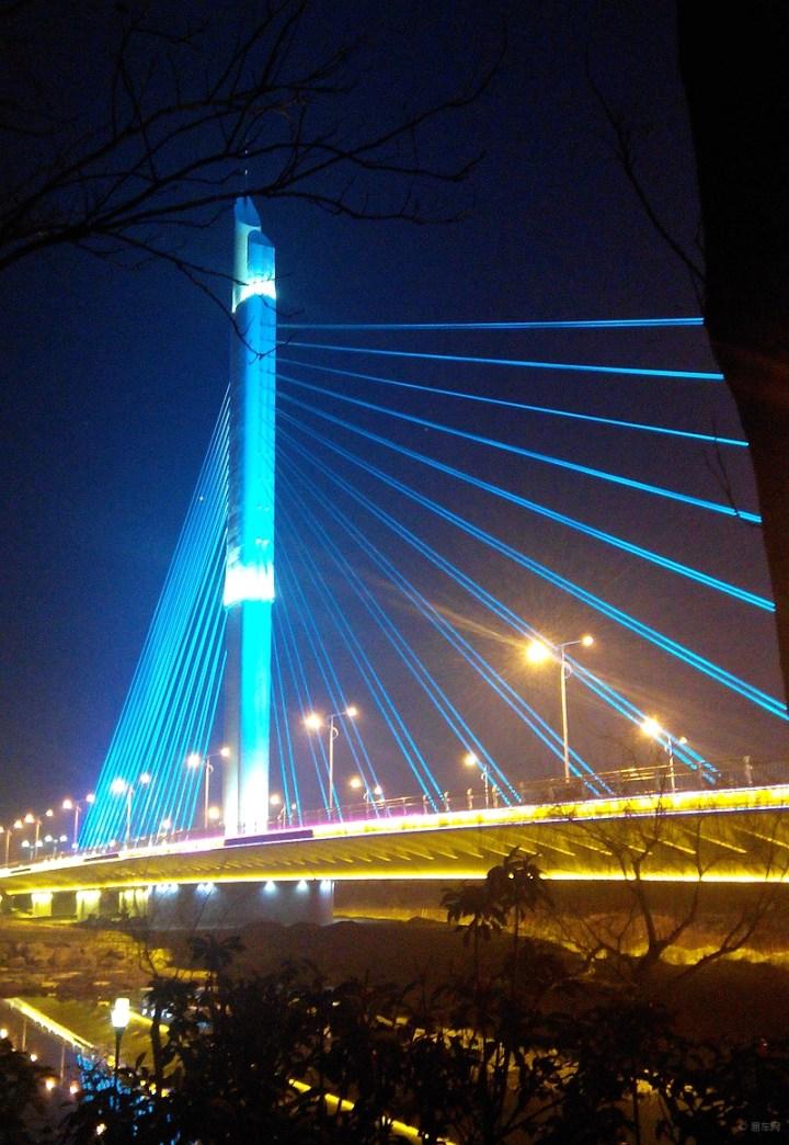 壁纸 大桥 建筑 桥 桥梁 塔 夜景 720_1044 竖版 竖屏 手机