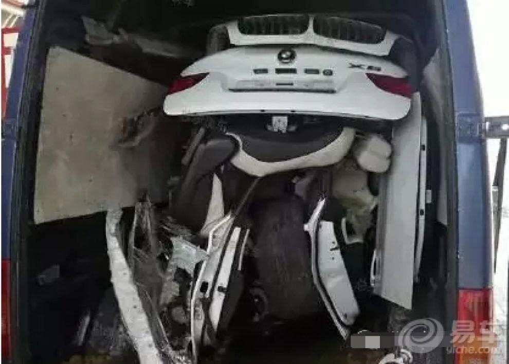 被盗时找警察的图片_巴西警察搜缴被盗车辆仓库内意外发现两辆坦