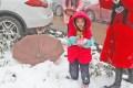 冬日初雪,红衣魅影