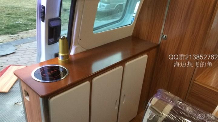 新全顺改多用途房车第11步:做很必要的边柜,包窗安装窗帘