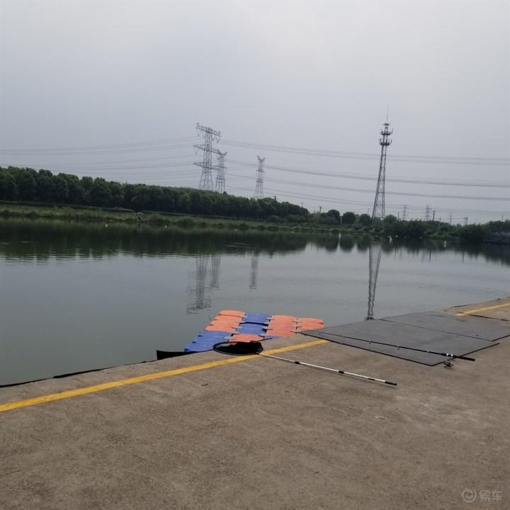 秋冬的龙舟训练竞赛基地