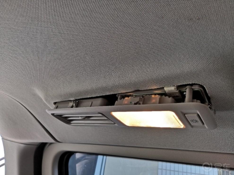 更换LED阅读灯