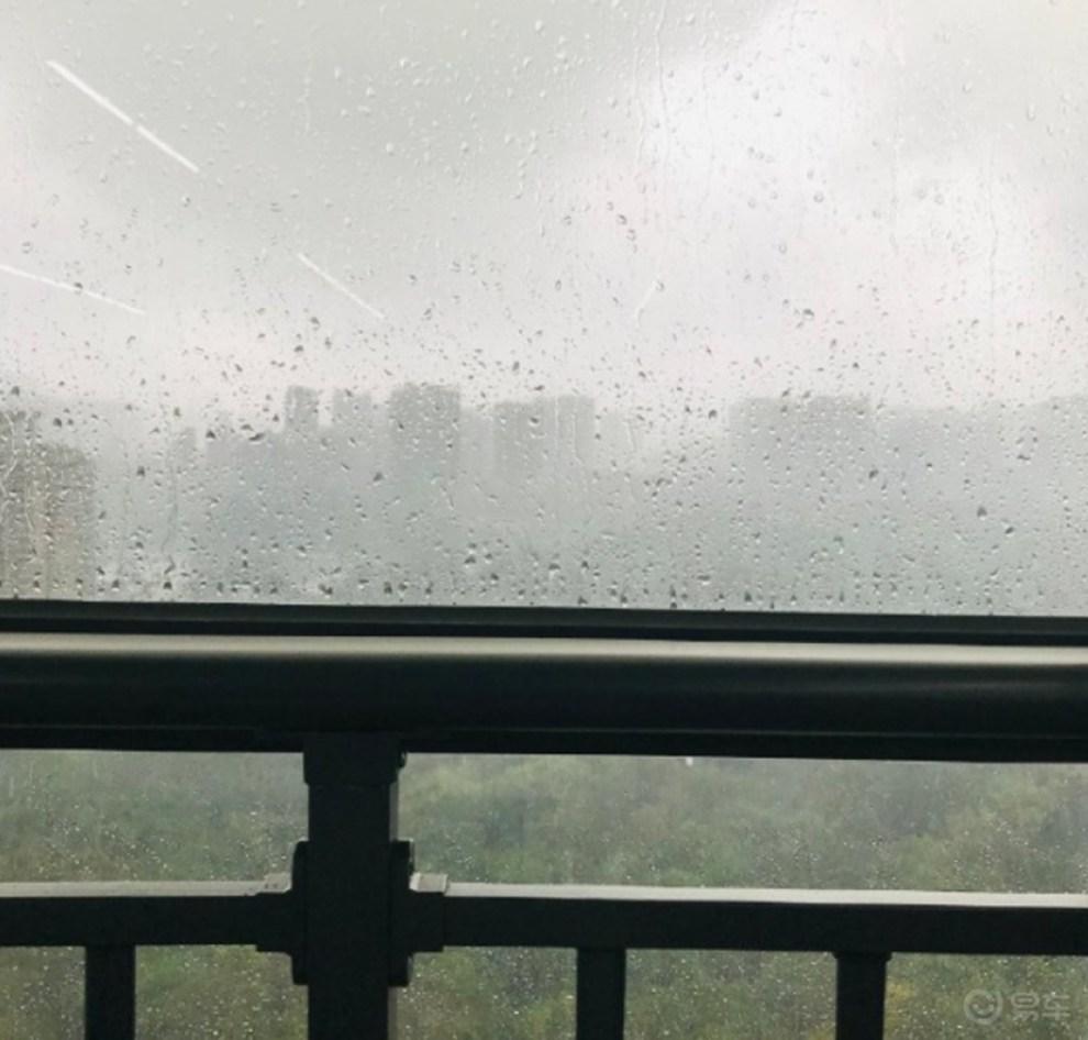 不惧倾盆大雨,开着GM6携家出行