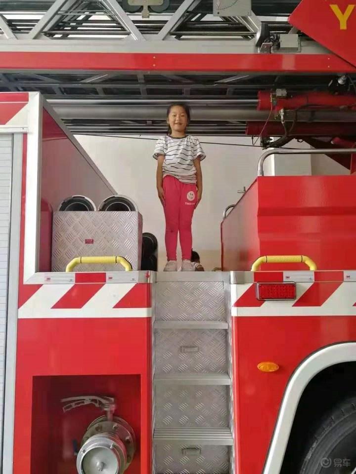 有一种爱叫爱不释手,6.1自驾带娃参观当地消防队