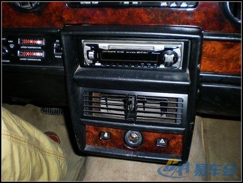 劳斯莱斯.这辆劳斯莱斯经过几十年的驾驶已经报废了,但是现高清图片