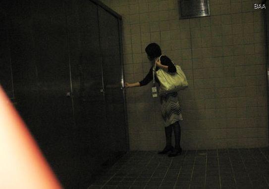 女厕偷窥经历_偷拍09上海车展--\