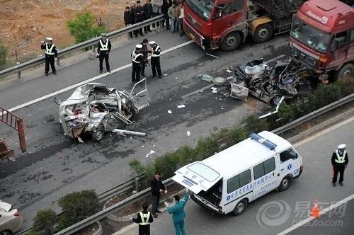 东风标致508事故解析   东风标致   获悉车祸中受伤的 标致 高清图片