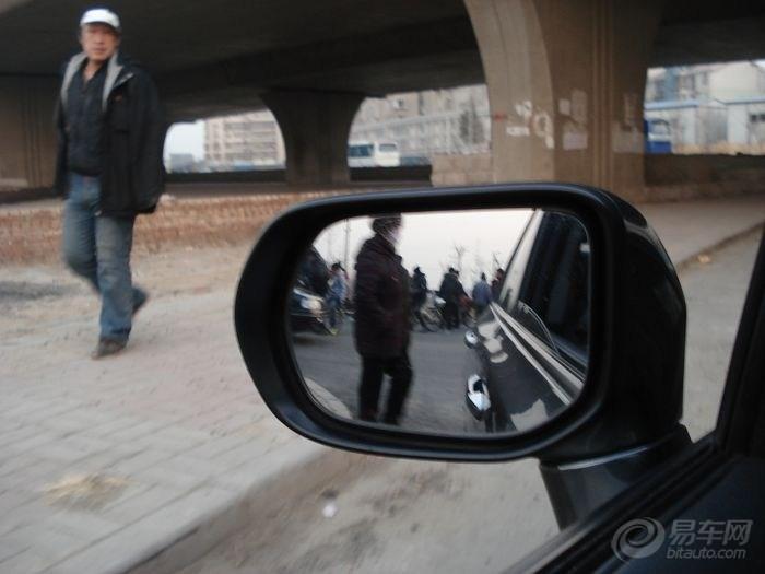 附近的一起车祸夏利与电动车】_天津论坛图片集锦_汽车论坛-易车网高清图片