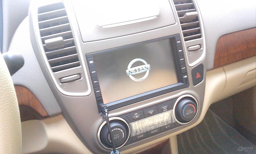 2011款东风日产轩逸汽车1.6手动挡天窗导航豪华版