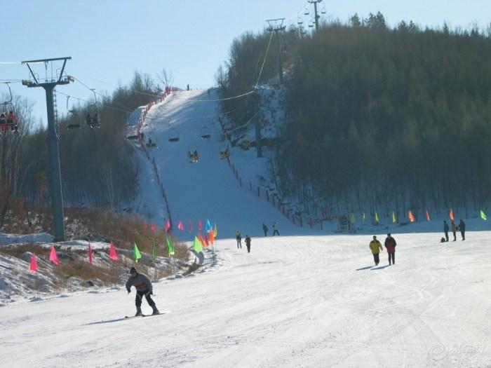 易车网 自驾游 目的地 黑龙江 佳木斯 卧佛山滑雪场 卧佛山滑雪场图片