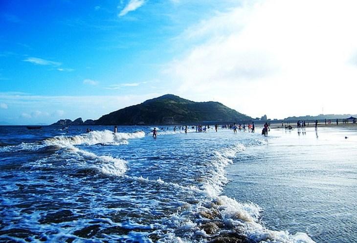 舟山 嵊泗 南长涂沙滩   11张照片 目的地介绍 南长涂沙滩位于嵊泗本